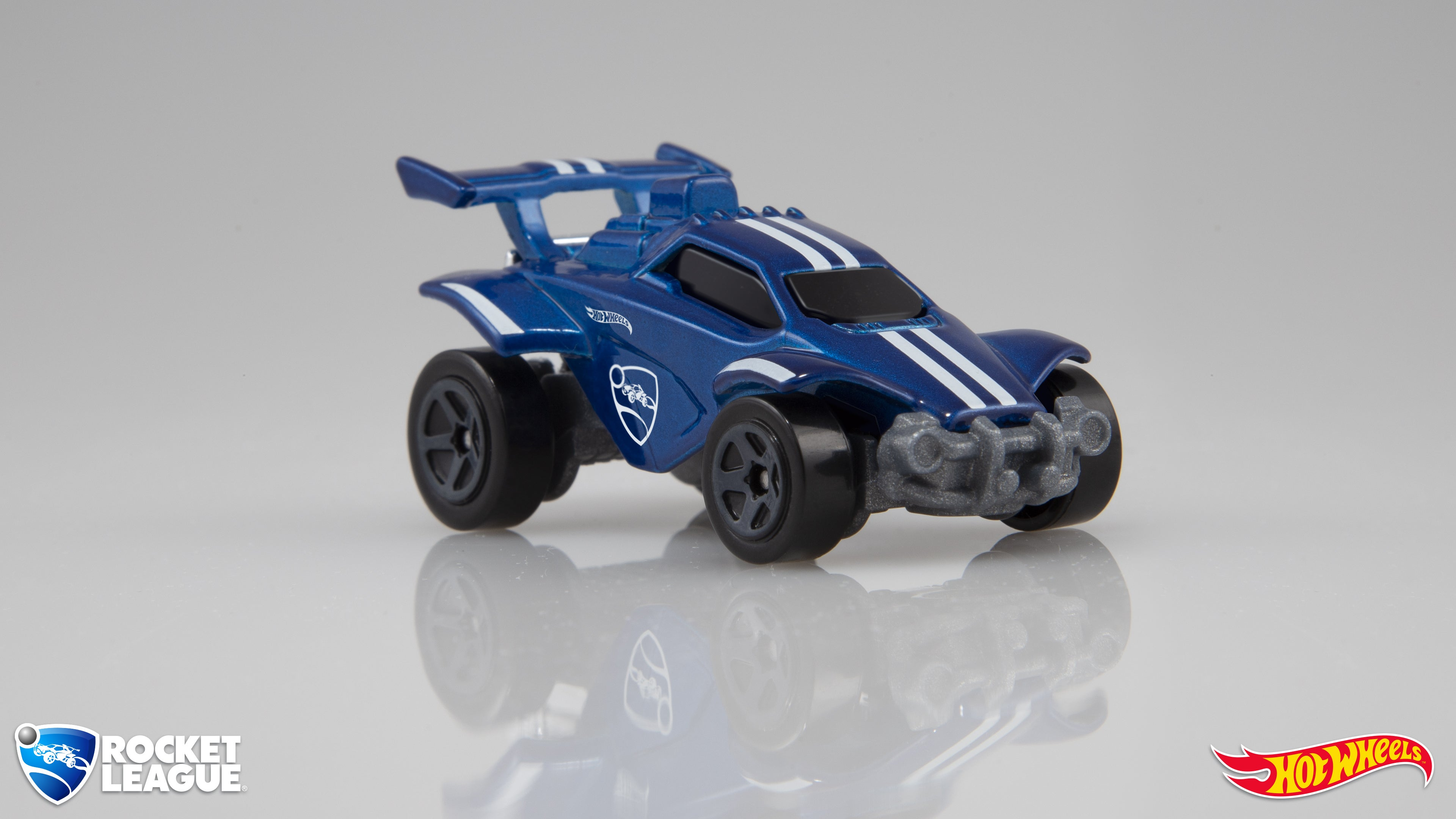 IMAGE(https://rocketleague.media.zestyio.com/RL-Hot-Wheels-Diecast-Front-Logos.jpg)